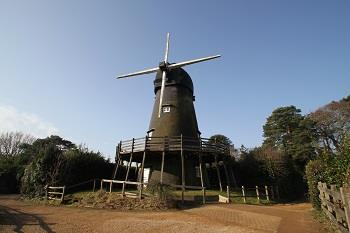 Resized Bursledon windmill.jpg