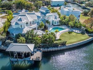 Distinctive estate in Davis Islands, Tampa Bay