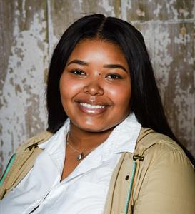 Denia Breaux Receives Meritus Scholarship from Zephyr Real Estate