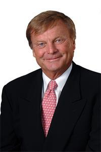 DSRE agent Henry Doehla named exclusive listing agent for home in Moorings