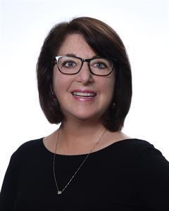 JoAnne Berlin Joins Zephyr Real Estate's Marin Regional Office