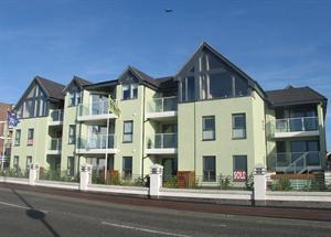 Stunning two bedroom apartment in a brand new development overlooking the sea and beach at Lee-on-the-Solent.