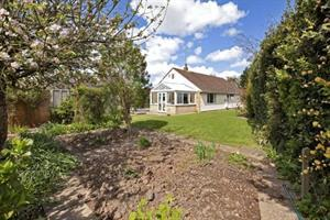 Stunning refurbished bungalow in Trull