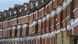 UK faces critical shortage of homes to rent, says RICS