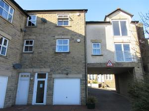 PROPERTY SPOT LIGHT - LETTINGS An immaculate TWO DOUBLE size bedroom apartment for £550pcm